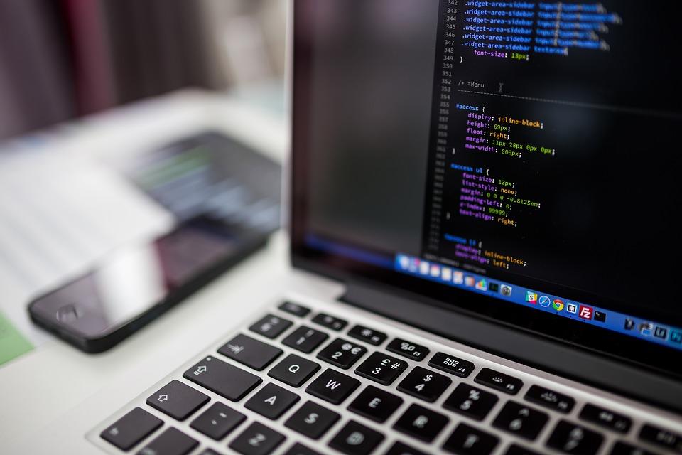 Programavimo būreliai vaikams: pagrindiniai jų privalumai